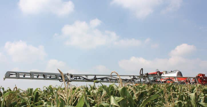 Outwit weeds with: Valtrac's Kuhn Stronger 4000 sprayer